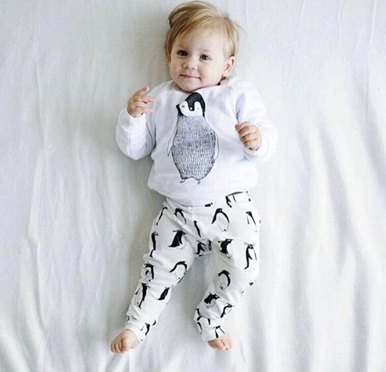 2016 fashion hot sales baby boys and girls cotton cartoon clothing sets infant toddler outfits