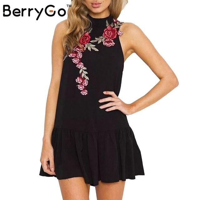 BerryGo Цветок вышивка рукавов лето dress Sexy холтер плиссированные вечер женщины dress 2017 новый спинки партийные короткие платья