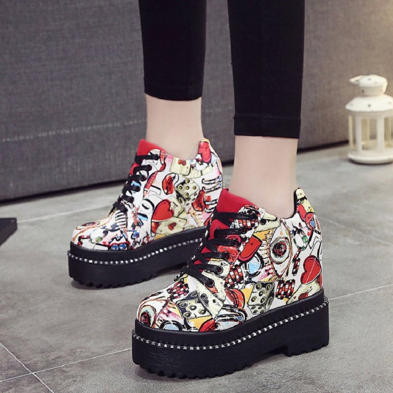 2018 Spring Autumn New Thick Waterproof Platform Graffiti Korean Shallow Mouth Shoes Cross Strap Fashion Women's Shoes 3