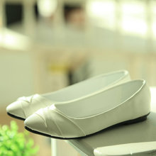 New hot spring summer high quality fashion trend simple classic solid pleated flats casual pointed toe women office boat shoes