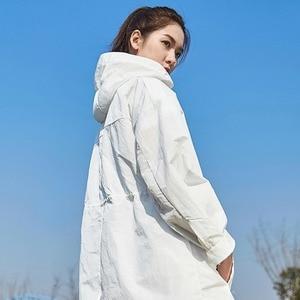 Image 2 - Xiaomi Uleemark der Lange Weiß Graben Mantel IPX5 Wasserdichte Sonnencreme Kleidung Mode Hoodie Windjacke