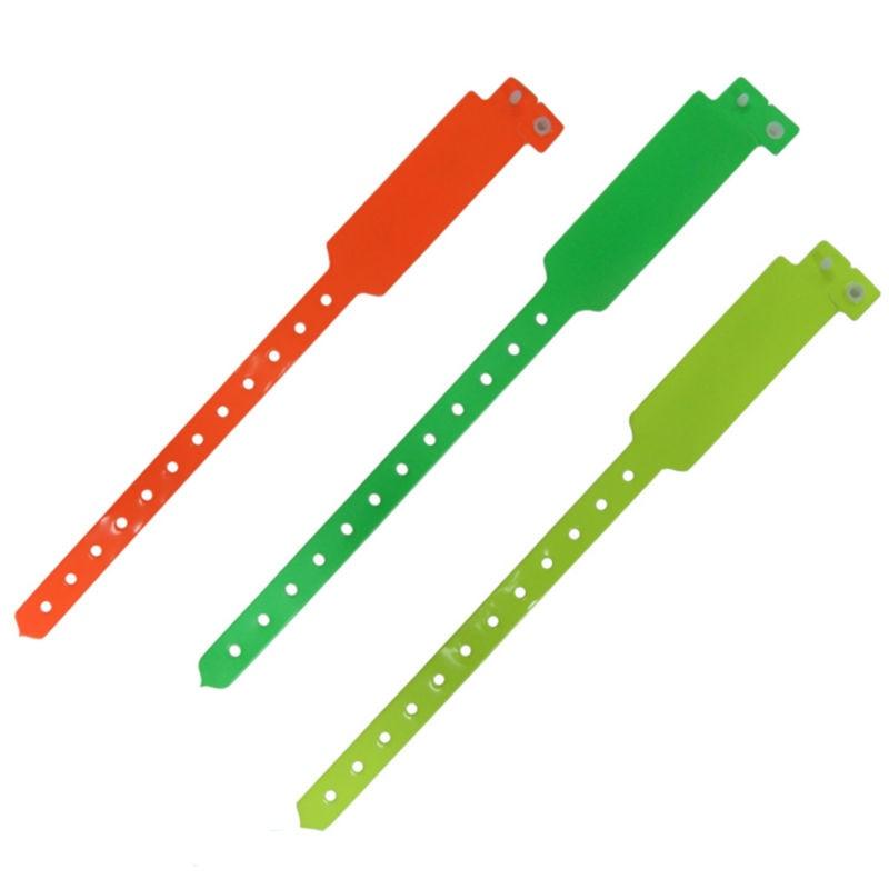 500 stücke party vinyl armbänder mit 1 farbe logo printting, pvc wristbnands für event, mit ihrem eigenen logo, text druck-in Party-Geschenke aus Heim und Garten bei  Gruppe 1
