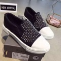 Negro Blanco Remaches de Moda Los Zapatos Bajo-Top de Lona de La Manera Ocasional Trabajo Caminar Mbt Zapatos de Las Mujeres 2016