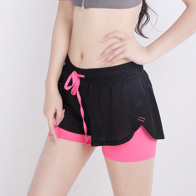 Tiempo de musculación Shorts Mujer Verano Velocidad de Ventilación Falso Dos De Papel Defensa Falla de Vestuario Llevar Pantalones Cortos