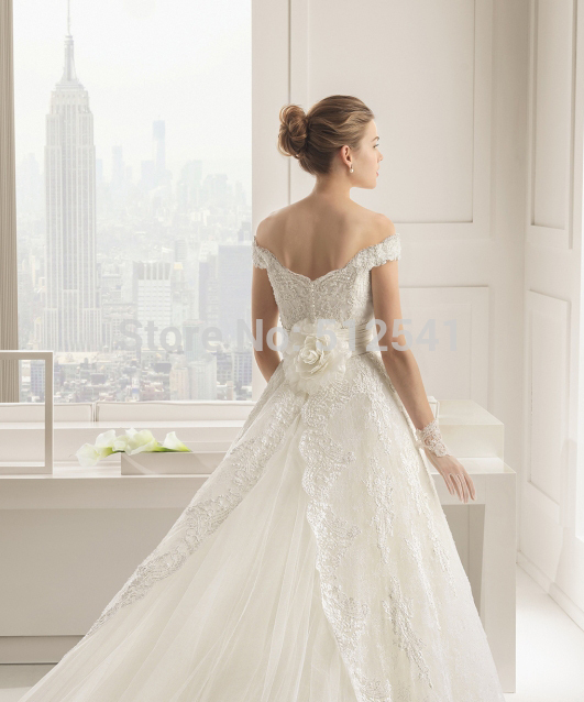 Top Temperament Lace Wedding Dress 2019 robe de mariee A Line Off Shoulder Appliques Sequin Flowers Beads Bridal Gown in Wedding Dresses from Weddings Events