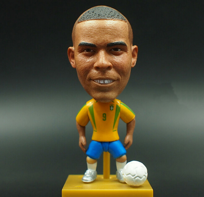 New KODOTO SoccerWe 2002 Brazil Ronaldo football soccer moving player star display collection dolls toys kodoto soccerwe roma totti football soccer moveable star collection dolls toy figures