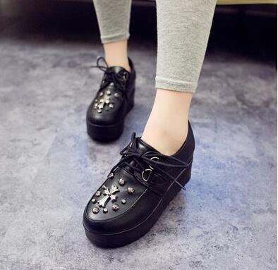 2016 Fall New Fashion British Goth Punk Creepers Flats Hot Sale Lace up Skull American Fashion Boat Shoes Free Shipping