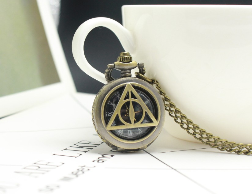 Sci-fi Deathly Pocket Watch Chains Necklace Vintage Hollow Quartz Pocket Watches Steampunk For Men Fans Gifts Watch