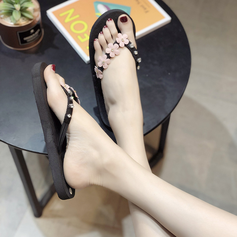 HKJL Flip flop female beach flat with drag fashion wear pinch slippers rhinestone flower pattern summer slippers female A477 in Slippers from Shoes