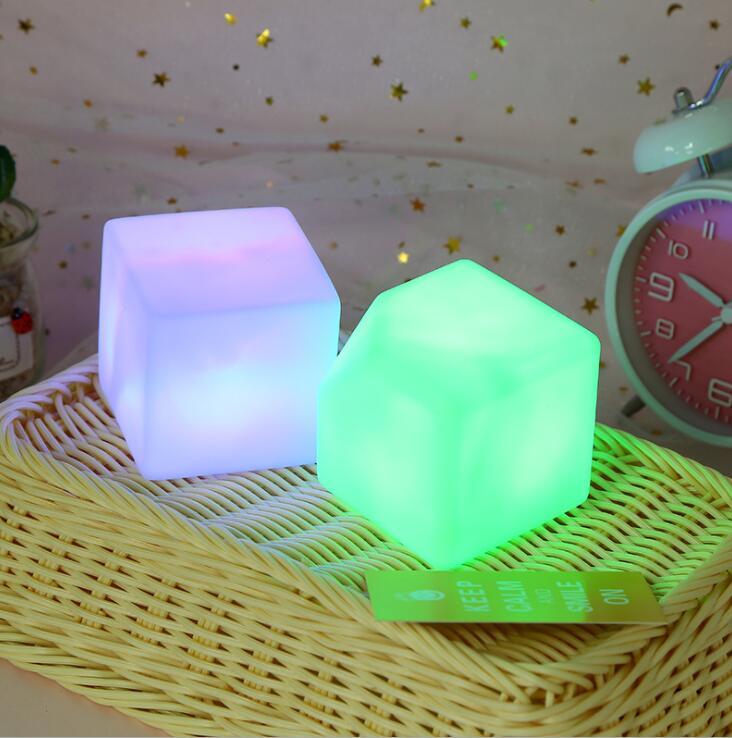 Bloc acrylique sept couleurs veilleuse Cube couleur lampe à LED veilleuse