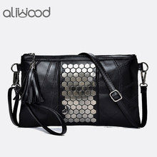 Aliwood Для женщин из натуральной кожи Курьерские сумки заклепки сцепления женская сумка дизайнер Сумки кисточкой Кроссбоди мешок для девочки
