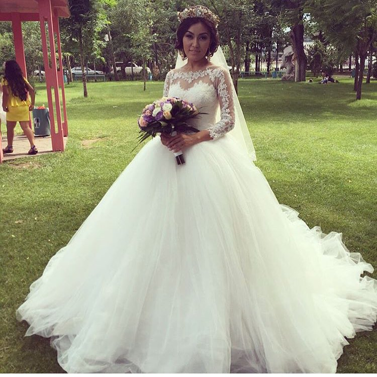 Elegant Beautiful Puffy Ball Gown Wedding Dresses 2016 Sheer Top O ...