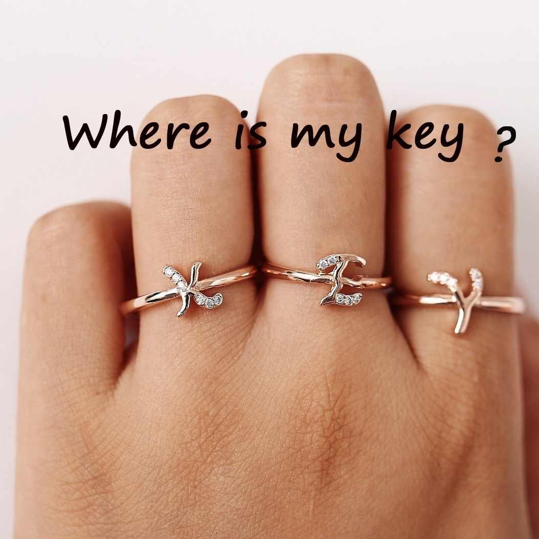 Simple 26 ตัวอักษร Personized เริ่มต้นเปิดแหวนคริสตัล Charm แหวนเครื่องประดับสำหรับหญิง