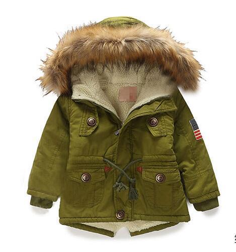 Los niños de invierno para hombre de ropa infantil 2015 algodón abrigo engrosamiento niño , además de terciopelo con una chaqueta de algodón acolchado capucha wadded
