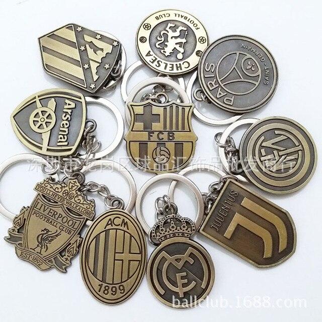 Football Club Logo CR7 C.RONALDO Messi Bale Salah Sanchez Keychain Gift Men  Women Soccer Star Fans Keychain Toy Sport Liverpool e8771d9ed6