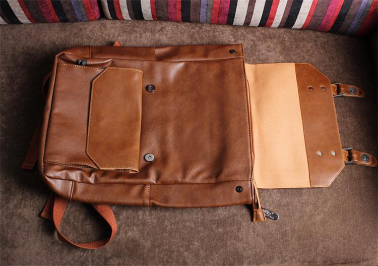 men leather backpack08