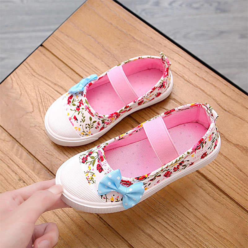 2018 New Style Flowers Printing Girls Shoes Cotton Mary Janes Shoes Baby Kids  Flats Bow Princess 484e152ba9b8
