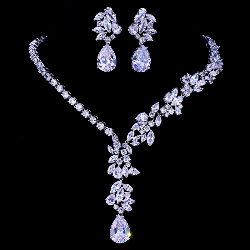 Emmaya New Unique Design Choker Necklace Stud Earrings Bridal Jewelry Sets Wedding Accessories Dropship