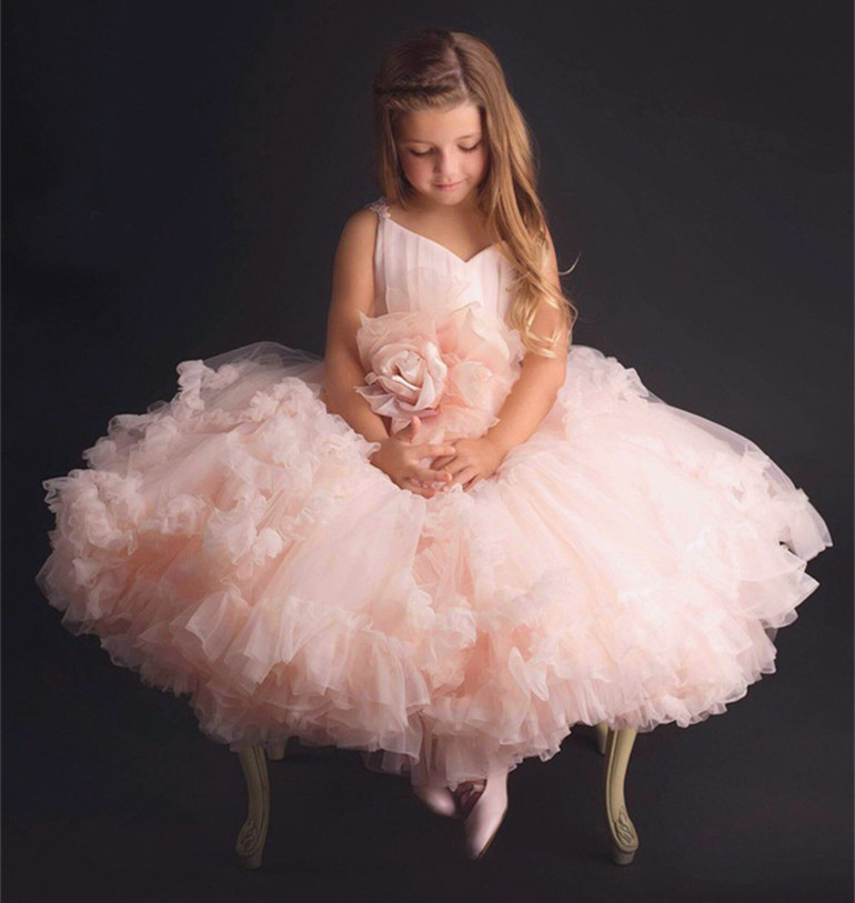 Cloud 2019 Flower Girls Dresses for Wedding Kids Pageant Dress First Holy Communion Dresses for Little Kids Party Prom GownCloud 2019 Flower Girls Dresses for Wedding Kids Pageant Dress First Holy Communion Dresses for Little Kids Party Prom Gown