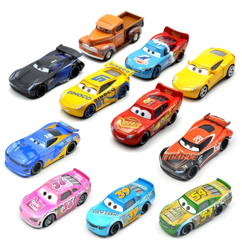 26 Style Disney Pixar Cars 3 2018 New Fabulous Lighting McQueen Cruz Ramirez Metal Alloy Car Model Kid Christmas Toy Best Gift