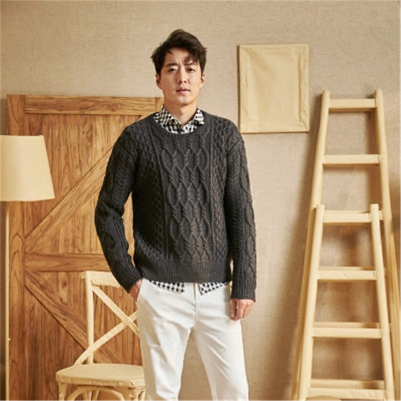 New Arrival 100% Hand Made Pure Wool Oneck Twisted Knit Men Solid H-straight Loose Pullover Sweater One&over Size