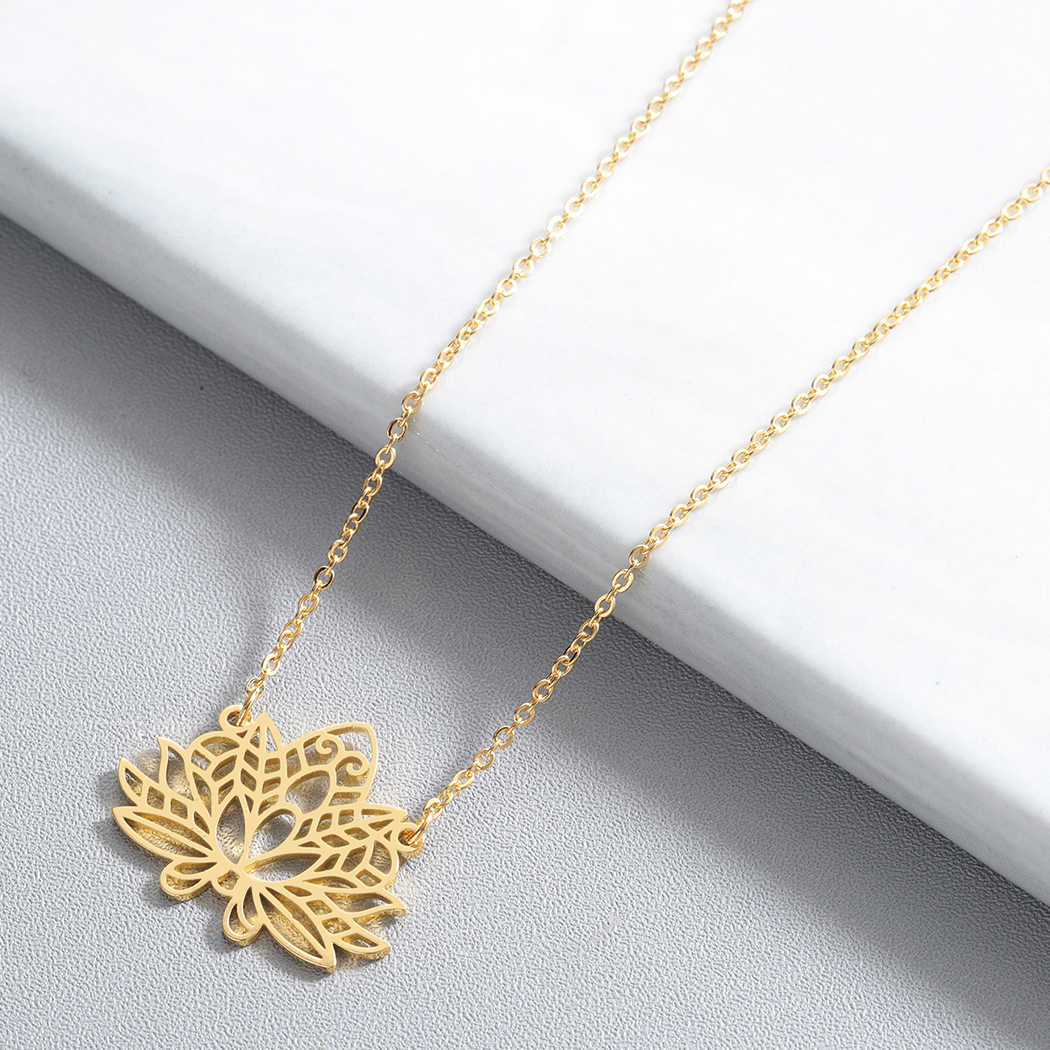 Hollow Lotus Flower สร้อยคอ Chokers ผู้หญิงชาติพันธุ์เครื่องประดับ Layering โบฮีเมียสร้อยคอแฟชั่นเครื่องประดับอุปกรณ์เสริม