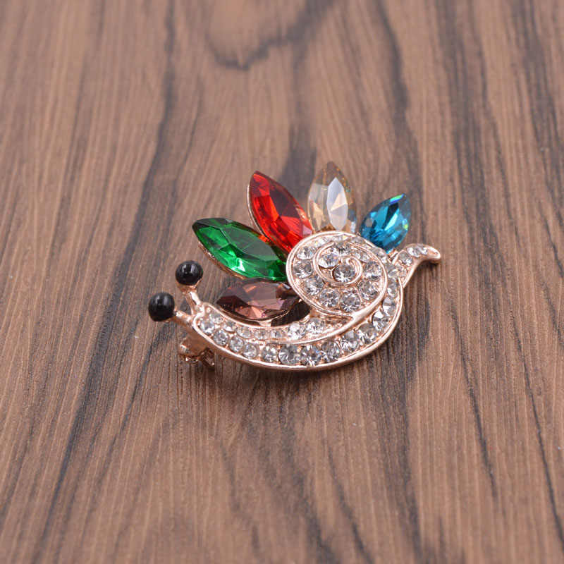 Cinkile Warna Berlian Imitasi Siput Bros untuk Wanita Gaya Musim Panas T-shirt Gaun Aksesoris Serangga Kecil Perhiasan Anak-anak Hadiah