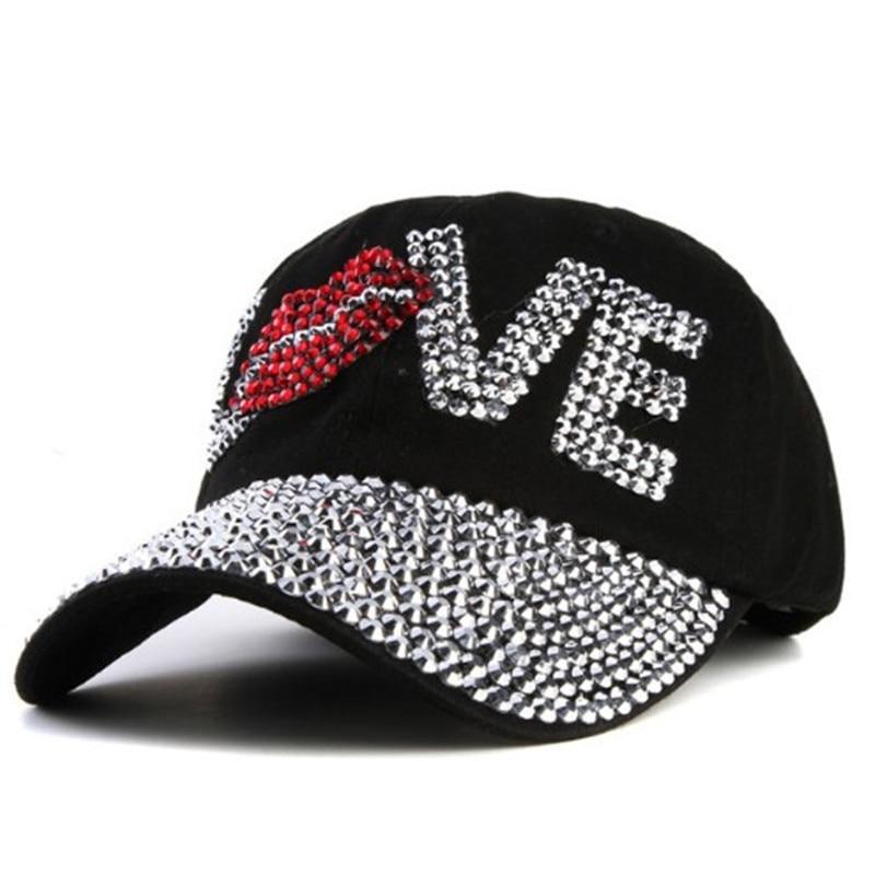 Amor de cristal de diamantes de imitación sombrero Mujer Denim gorra de  béisbol Vintage mujer Sexy labios jean sombreros de punto taladro de  vaquero tapas ... eafc98de6b6