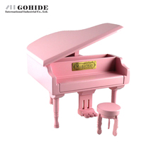 Gohide Eoupean Design Valentine's Day Gift Square Music Box Piano Style Wound-Up Solid Wooden Grand Piano Music Box Pink Color