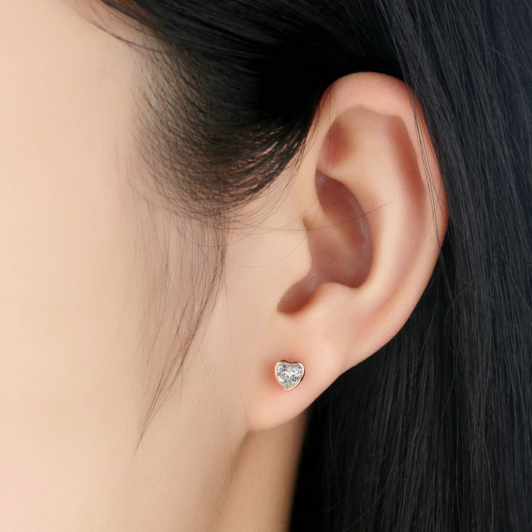 Us 6 18 45 Off 925 Sterling Silver Love Heart Stud Earrings Rose Gold Color Clear Cz Earring Female Brincos Fashion Jewelry Hjs452 In