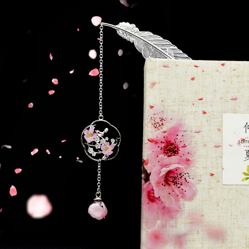 ezone creative flower hollow bookmarks vintage metal bookmark with chinese knot multifunctional stationery material escolar gift 1 Pcs Metal Bookmarks Stationery Classical Silver Feather Leaves Dried Flower Pendant Books Markers Papelaria Material Escolar