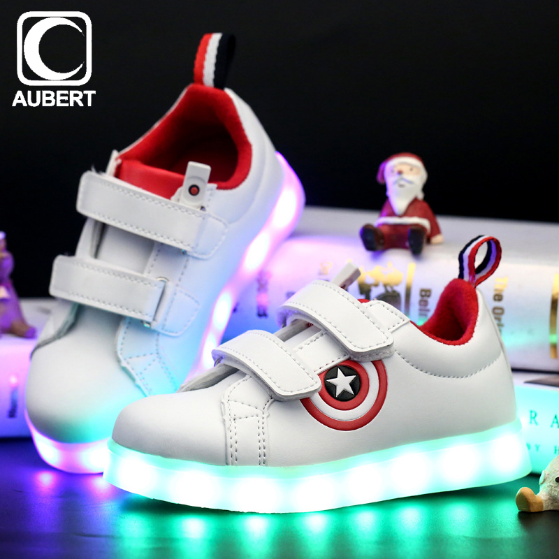 Captain America Children's LED Light Shoes Cartoon Luminous Kids Sneakers Breathable Boys Girls Glowing Shoes with USB Charging