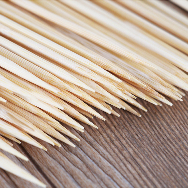 Natural wooden bamboo BBQ skewers 25x3mm