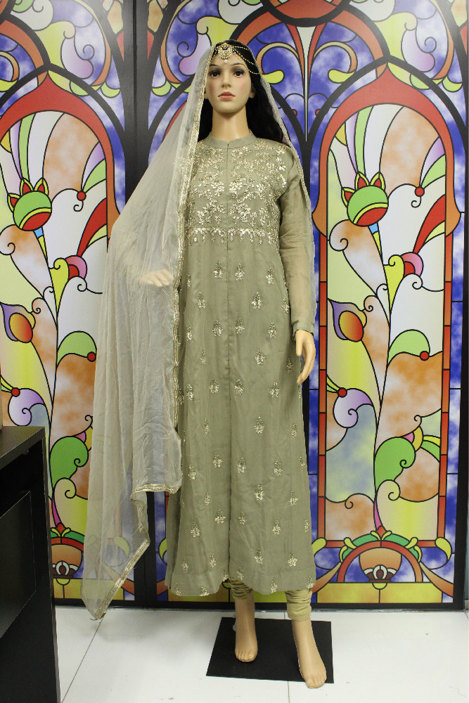 2645b7775e75 ... sartoria francese del XX secolo Georgette de la Plante. Originariamente  realizzato in seta