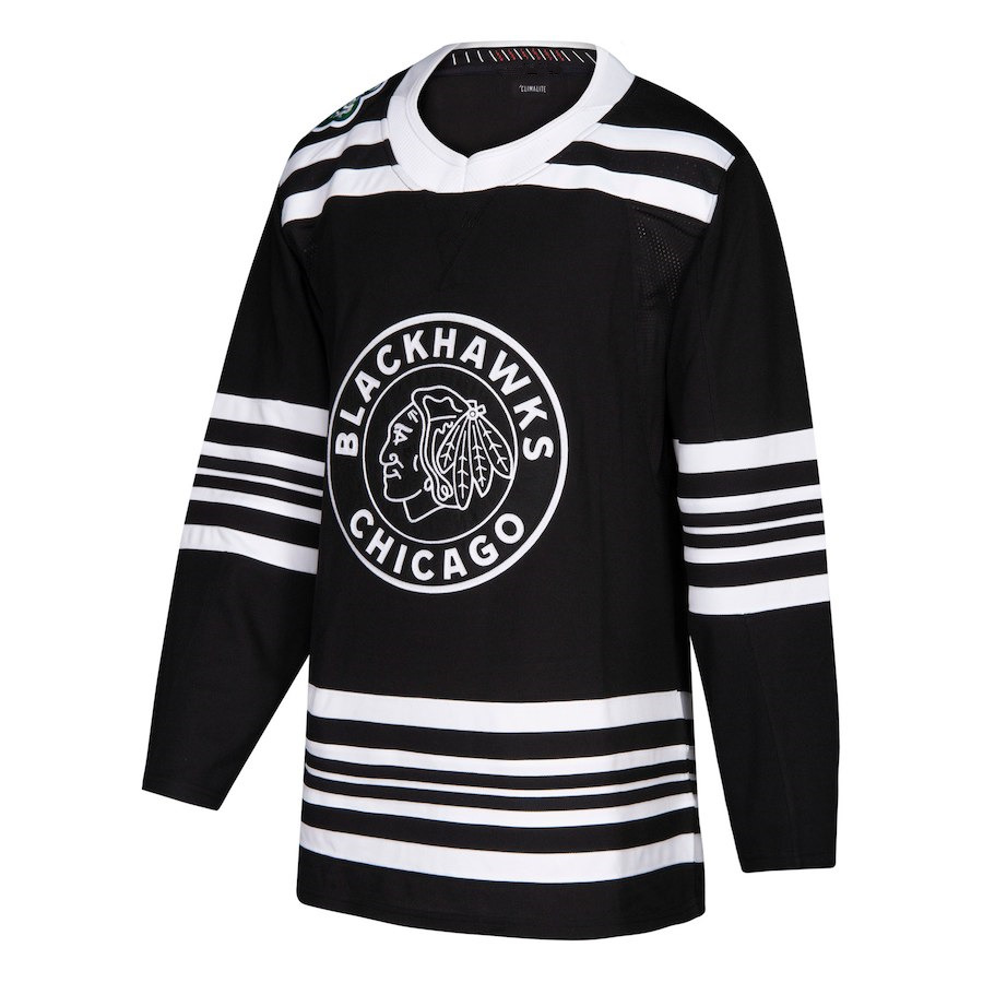 Jonathan Toews Alex DeBrincat Henri Jokiharju Duncan Keith Brent Seabrook  Crawford Hockey Chicago 2019 Winter Classic Jerseys-in Cheerleading Uniforms  from ... 3d887b7ec