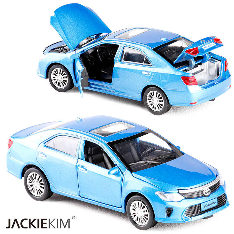 New 1:32 Scale TOYOTA CAMRY Metal Alloy Diecast Car Model Miniature Model With Pull Back Sound Light Model For Children Car Toys