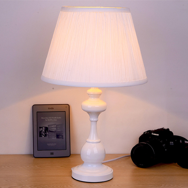 Perfect Table Lamps For Living Room Vignette - Living Room Designs ...