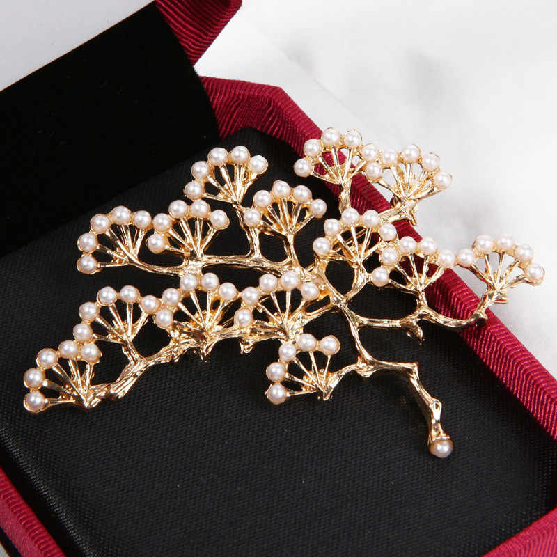 Fashion Design Luxury Imitation Pearls Pine Brooches for Women Girls Dress Scarf Knot Pins Fashion Wedding Jewelry Brooch Gifts