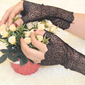 Весна и лето женские солнцезащитные короткие перчатки Модные сексуальные кружевные перчатки без пальцев для вождения Весна и лето кружевная перчатка Вечерние - фото