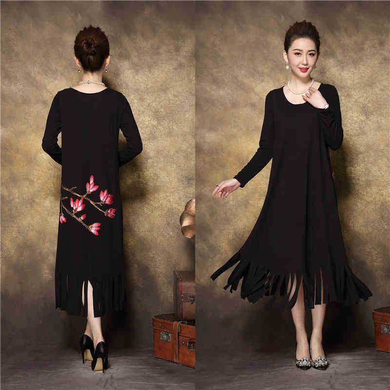 2017Winter middle age women Vintage floral embroidery tassels long dress thick fleece elegant dress plus size casual vestido 4XL