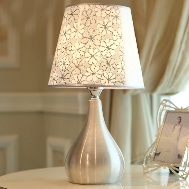 Desk Table Lamp crystal K9 home lights decor table lights bulb lamp modern home decoration table lamps bedroom bedside lamp E27 fashion simple modern k9 crystal table lamp warm bedroom bedside cabinet lights qiseyuncai