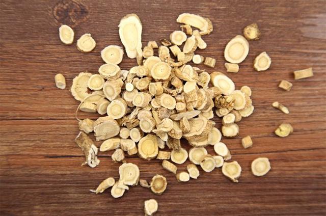 Frete grátis fatia de raiz de Astragalus membranaceus 0.4 kg reforçar a imunidade, proteção do organismo contra doenças