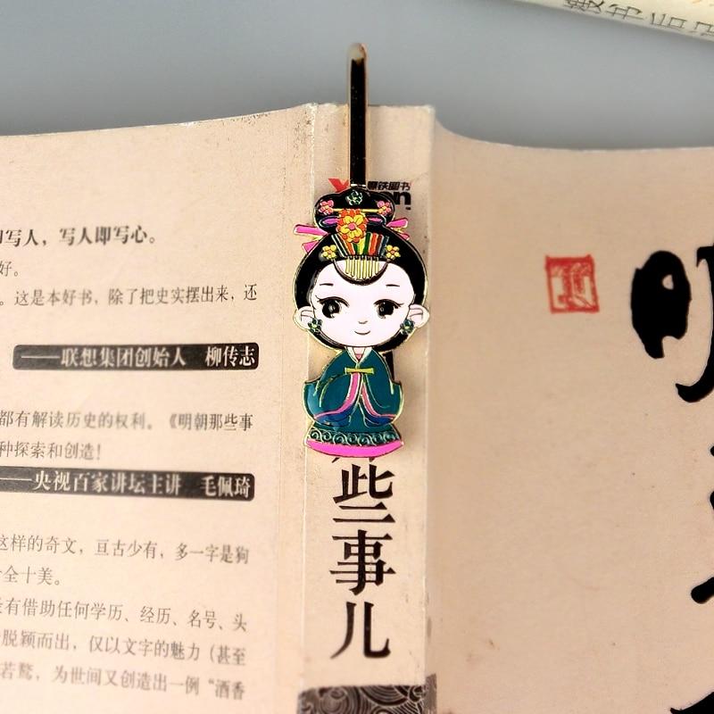 1pcs cartoon metal Bookmark Q couple Memo Clip Novelty book holder Handmade stationery paper tag School gift Bookmark Home Decor