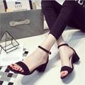 2017 Verano Nuevos zapatos de Tacón Alto Hebilla Gruesa Con Sandalias de la mujer del Verano Paquete Con Square Sexy tacones Delgados abierta Zapatos con punta. LD-528