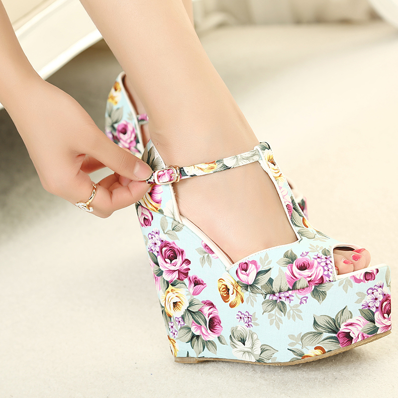 Free shipping wedges high heels fashion flowers print 2014 new sandals for women shoes platform pumps T belt buckle A870-in Women's Sandals from Shoes on Aliexpress.com | Alibaba Group