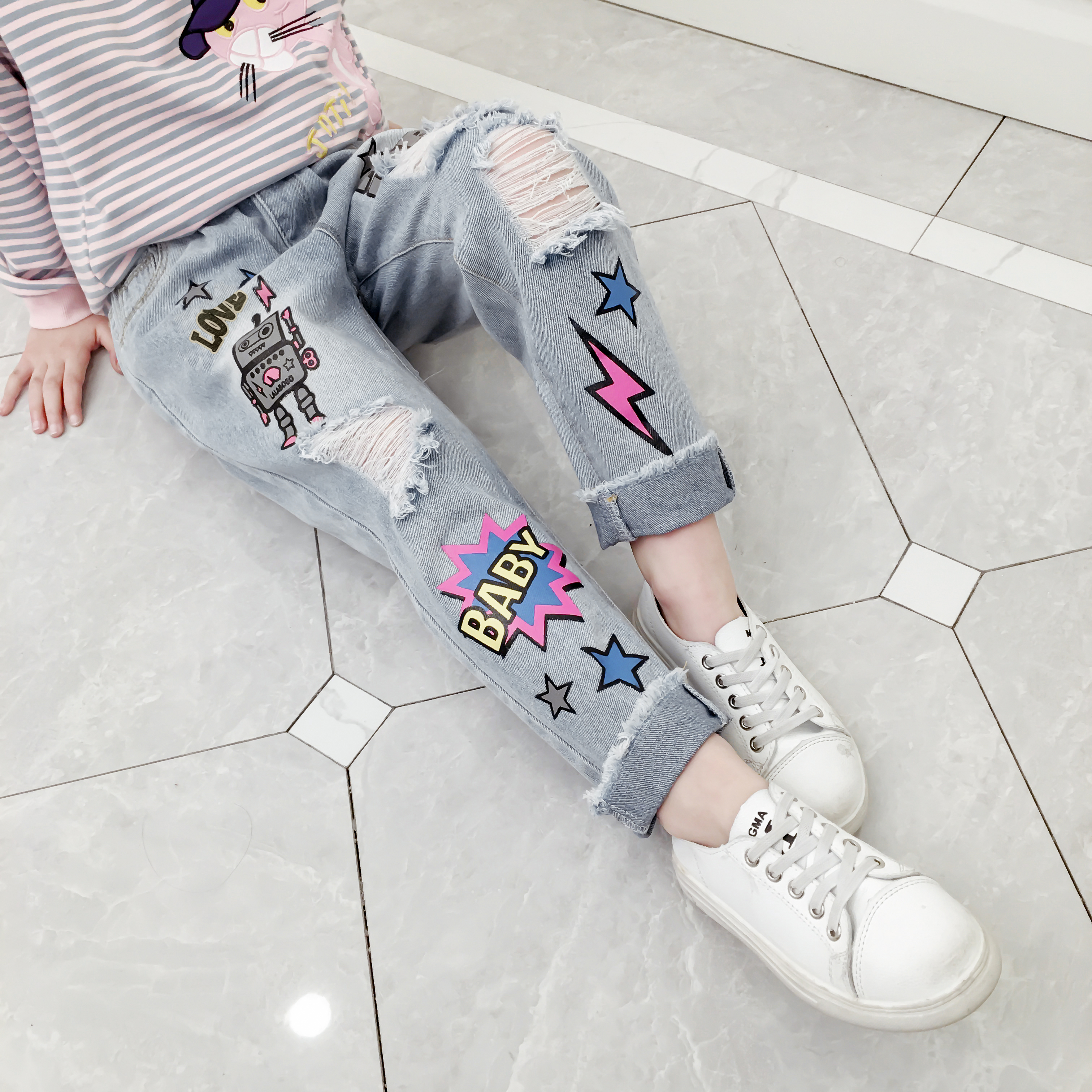 Girls Ripped Jeans Spring Summer Fall Style 2019 Trend Denim Trousers For Kids Fashion Catoon Distrressed Hole Pants For 3 14Yrs in Jeans from Mother Kids