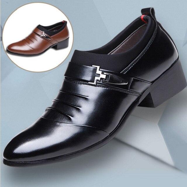 2019 màu đen nâu trắng người đàn ông giày da mens nhọn ngón chân váy giày cao chất lượng phục chính thức trượt trên rỗng ra dép người đàn ông fgb7