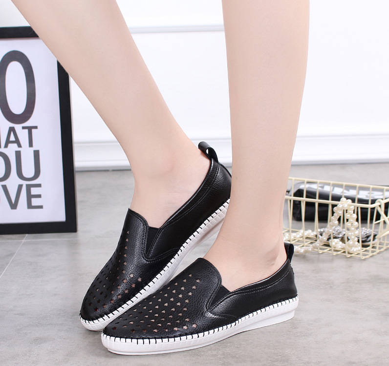 2018 spring and summer shoes woman flats tenis feminino hollow out breathable comfortable fashion leisure head flat women shoes hot 2017 new fashion womens weave shoes spring summer mixed color breathable casual shoes flats slip on loafers tenis feminino