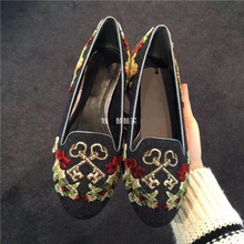 Retro Style Woman Flat Single Shoes exquisite embroider rose Slip-on Shoes concise famale casual shoes newest design dress shoes