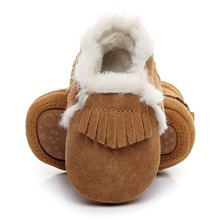 Új stílus Téli szőrme csizmák Valódi bőr Baba lány cipő kézzel készített kisgyermek kemény egyetlen első gyalogló baba Suede cipő